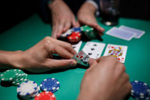 CAD and Top Online Casinos